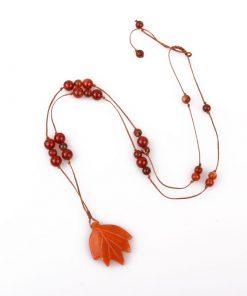 گردنبند عقیق سرخ با مدال برگ آونتورین نارنجی
